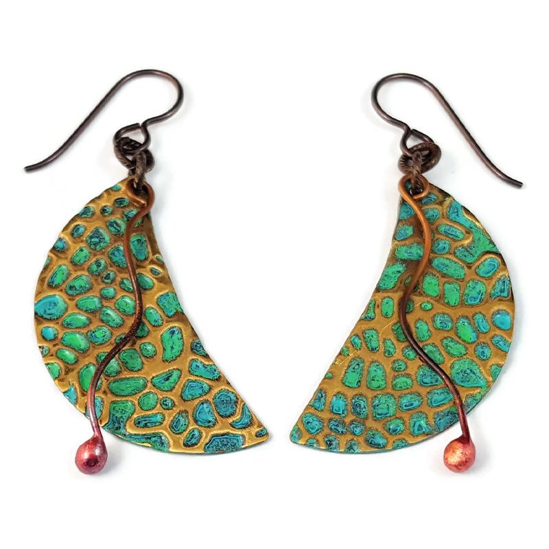 jade texture crescent earring