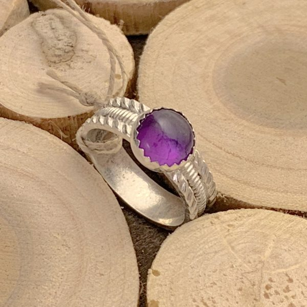 amethyst ring main view